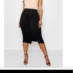 NWOT Boohoo+ pencil skirt